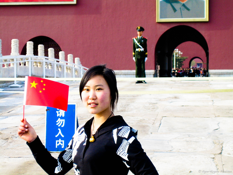 woman-with-red-flag